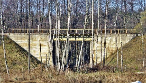 Most kolejowy w Sokolem  oddany do użytku 10.12.1949 r. na linii kolejowej Białystok – Zubki Białostockie. Fot. A. Kasperowicz, 2009 r.