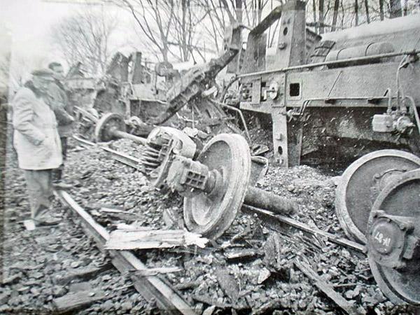 Miejsce tragedii wykolejenia pociągu towarowego  Zubki B. - Białystok w Białymstoku w dniu 9.03.1989 r.